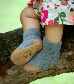 Wool Slipper Pattern, PDF Sewing Pattern, Kids sizes, Instant Download Tutorial    Want to be kind to the earth? Or maybe you want to tailor a special