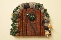 door    http://flyingfrogcreations.deviantart.com/art/Moss-Stone-Fairy-Door-285898210