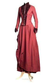 maroon wool serge dress, c. 1880. Charleston Museum