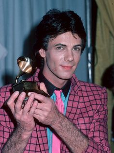 Rick Springfield 1981 Grammys | fuckyeahh1980s:Rick Springfield showing off his Grammy and 80s Fashion ...