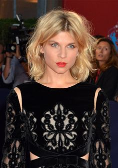 The long square of Clémence Poesy – Marie Claire - Modern January Jones, Lucy Hale, Little Girl Hairstyles, Easy Hairstyles, Marie Claire, Clémence Poesy, Star Francaise, Saga Harry Potter, Parisian Chic