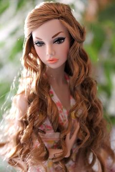 Sorry, the pic has not the best quality, but I love her expression/ poppy parker Barbie Hair, Doll Hair, Barbie Clothes, Barbie Outfits, Beautiful Barbie Dolls, Pretty Dolls, Fashion Royalty Dolls, Fashion Dolls, Redhead Fashion