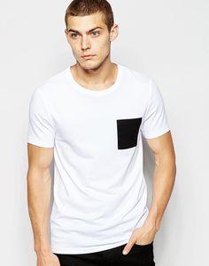 Muskelshirt T-Shirt von ASOS elastischer Jersey Rundhalsausschnitt kontrastierende Tasche eng geschnittene Ärmel sitzt eng am Körper enge Passform Maschinenwäsche 94% Baumwolle, 6% Elastan Model trägt Größe M und ist 188 cm/6 Fuß 2 Zoll groß