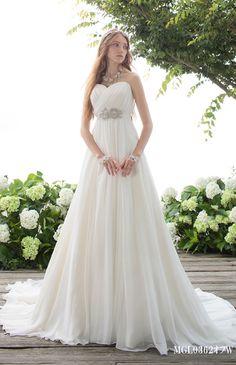 No.66-0096 ロマンティックでフェミニンなギャザースリーブ。妖精のような透明感あふれる、可愛い立ち姿を約束します。