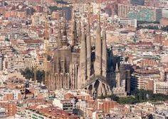 Resultado de imagen para interior de la sagrada familia barcelona