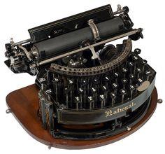 Photograph of the National 1 typewriter. Typewriter For Sale, Antique Typewriter, Kelly Wearstler, Writing Machine, Nerd Decor, Harry Potter Decor, Bookshelf Styling, Vintage Typewriters, Writing