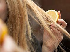 Éclaircir naturellement ses cheveux: eau salé, citron, miel...