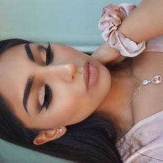 Beautiful look @riwaseem BROWS: #Dipbrow in Ebony EYES: Master Palette by Mario GLOW: Sun Dipped #GlowKit #anastasiabeverlyhills