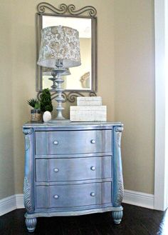How+to+Add+a+Touch+of+Glam+with+Metallic+Paint