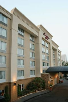 Hampton Inn Atlanta-Georgia Tech-Downtown Atlanta (Georgia) Located across from Coca-Cola Worldwide Headquarters and Georgia Tech, in the heart of Atlanta city centre, this hotel features a number of free amenities, along with comfortable accommodations and modern facilities.