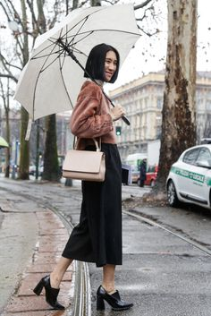 Fashion: trends, outfit ideas, what to wear, fashion news and runway looks Eva Chen, 2014 Trends, Fashion News, Fashion Trends, Milan, What To Wear, Midi Skirt, Runway, Street Style