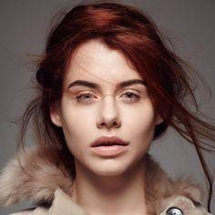 Ukrainian singer-songwriter, Lauta releases her debut solo single 'Free Falling'