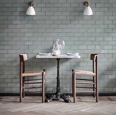 Greenish-grey tête-à-tête at Steak Royal in Copenhagen. Loving the herringbone parquet and the ash grey tiles in combination with the iconic Børge Mogensen chairs designed in 1947. via @fredericiafurniture #fredericafurniture #j39 #j39chair #chair#dining #restaurant #danishdesign #børgemogensen #borgemogensen #madklubbensteakroyal @madklubben
