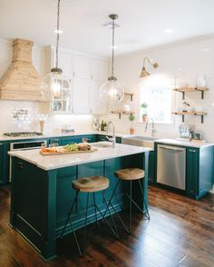 Kitchen Interior Design Designers Are Loving This Color For Kitchen Cabinets Right Now - Dark Teal Cabinets - It's the exact opposite of boring! Teal Kitchen Cabinets, Kitchen Cabinet Colors, Kitchen Colors, Green Cabinets, White Cabinets, Colored Cabinets, Kitchen Layout, Kitchen Paint, Turquoise Cabinets