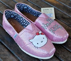 Hello Kitty Toms ~ this would be easy to make. =]