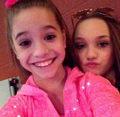 Ziegler girls love them more then ANYONE Maddie And Mackenzie, Mackenzie Ziegler, Maddie Ziegler, Mack Z, Krewella, Dance Moms, Cheerleading, My Girl, Dancer