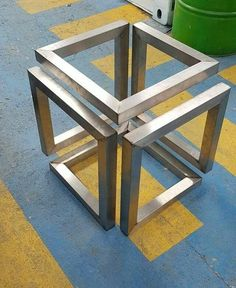 Ideas for table footing! – Table world Welded Furniture, Steel Furniture, Industrial Furniture, Table Furniture, Furniture Design, Mesa Metal, Wood And Metal, Metal Art Projects, Welding Projects