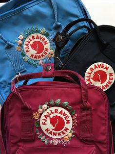 backpacks Customizable Fjallraven Kanken Hand Embroidery Backpack You can choose your favorite color from the Fjallraven Kanken website! The colours in stock may vary from time to time. Diy Embroidery Designs, Hand Embroidery, Burning Flowers, Making Scarves, Cute Bags, Looks Style, Kanken Backpack, Backpacks, Purses