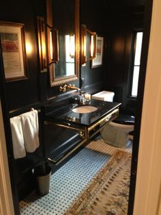 Handsome bathroom in black
