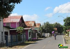 Discover Puerto Armuelles, Panama - Check out These Photos Puerto Armuelles, House Colors, Panama, The Neighbourhood, Colorful Houses, Street View, Pictures, Photos, House Styles