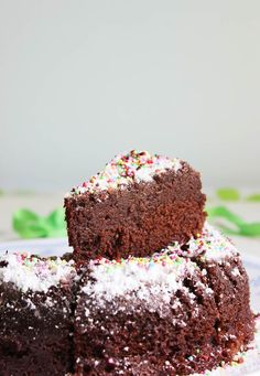 eggless chocolate cake in microwave This cakes tastes chocolaty with no flavor of banana and has a fudgy texture that tastes great and will make you long for more. After several trails, I have arrived at this best eggless chocolate cake recipe in microwave that makes multiple servings .Some time back I made this for …