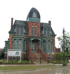 Historic Detroit Pictures | ... East Historic District, Detroit, restored 2008. Image Source: Wiki