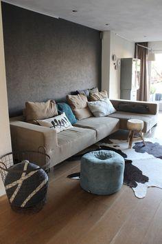 Ons huis heeft al twee keer eerder op de binnenkijker gestaan, maar omdat de meubels nu anders staan leek het me leuk deze ook te plaatsen.