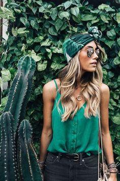 ╰☆╮Boho chic bohemian boho style hippy hippie chic bohème vibe gypsy fashion indie folk the . Hippie Chic, Boho Chic, Fashion 2018, Look Fashion, Fashion Trends, Bohemian Fashion, Fashion Mode, Green Fashion, Fashion Details