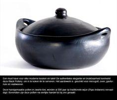 Kookpot in zwarte klei