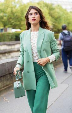 5521b67717 Monochromatic outfit inspiration Terno Feminino