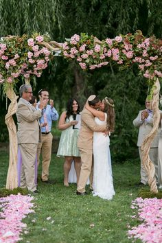 Whimsical Botanical Gardens Wedding | Sarah Tew Photography | BML Blackbird Theatrical Services | Reverie Gallery Wedding Blog