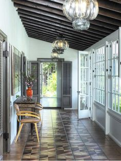 Eclectic Entryways from Lewin Wertheimer on HGTV
