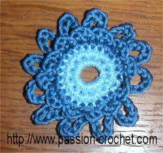 Modèles de fleurs au crochet à coudre