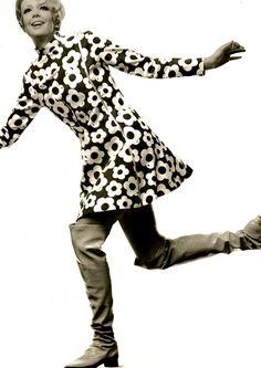 Mary Quant fashion ideas for the 1st Republic of Catalonia. 1strepublicofcatalonia.cat #catalanrevolution