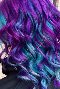 Purple and blue hair hair styles are all the rage, especially now when the hot season is approaching and we wish to experiment with the hair color. Onbre Hair, New Hair, Hair Dye, Bright Hair Colors, Hair Colours, Colorful Hair, Coloured Hair, Mermaid Hair, Mermaid Makeup
