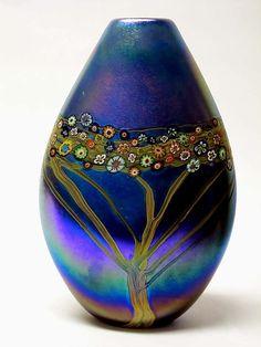 Silver Blue Vines Pouch: Ingrid Hanson, Ken Hanson: Art Glass Vase | Artful Home<3<3<3GORGEOUS<3<3<3