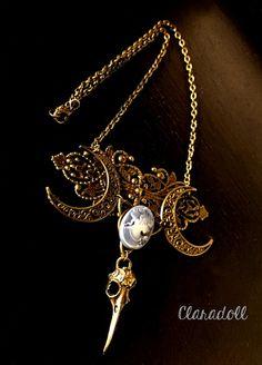 """Collier """"Dame Hécate"""" triple lune paganisme, triple Lune, gothique, romantique, alternatif, Claradoll créations, original, idée cadeau"""