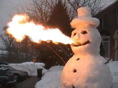 Freunde, ging mir nach dem gestrigen Abend heute morgen ähnlich ich bin dann mal eben draussen. Im Garten. Einen Schneemann bauen. Und zwar so einen Schneemann. Harharhar! (via Manniac)