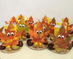 Collected leaves in the garden: An elaborate autumn laboratory idea . Fall Arts And Crafts, Easy Fall Crafts, Thanksgiving Crafts, Christmas Crafts For Kids, Halloween Crafts, Fall Crafts For Toddlers, Toddler Crafts, Diy Crafts For Kids, Art For Kids