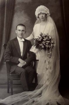 Gorgeous Wedding Cabinet Photo Bride Groom Vintage Clothing 1920s St. Paul Minn.