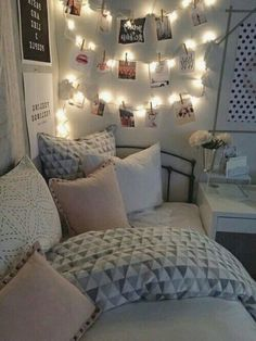 Aime cette idée! Small Room Bedroom, Trendy Bedroom, Modern Bedroom, Bedroom Ideas, Diy Bedroom, Small Rooms, Small Spaces, Contemporary Bedroom, Bed Room