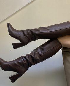 Pretty Shoes, Cute Shoes, Me Too Shoes, Crazy Shoes, Look Fashion, Fashion Shoes, Autumn Fashion, Trendy Fashion, Sock Shoes