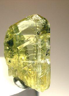 灰簾石(ゾイサイト):Zoisite : 宝石や鉱物のきれいな原石写真まとめ - NAVER まとめ