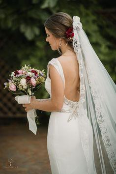 #velosdenovia #velos #fabianluque #fotografosdecordoba #fotografosdeboda #novias #bodas Wedding Dresses, Fashion, Bridal Veils, Brides, Wedding, Bride Dresses, Moda, Bridal Gowns, Wedding Dressses