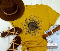 Cool, trendy, fashionable tees, hats and activewear par JustImagineStudiosCa Sunflower Shirt, Sunflower Tattoos, Ash Color, Vintage Shirts, Cool Things To Make, Color Patterns, Cotton Fabric, Active Wear, Tee Shirts