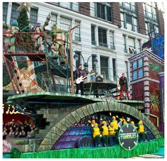 Teenage Mutant Ninja Turtles Float at the 2014 Macy's Thanksgiving Day Parade Macys Thanksgiving Parade, Happy Thanksgiving, New Smyrna Beach, Teenage Mutant Ninja Turtles, Parade 2016, Parade Floats, Tmnt, Battle, Balloons