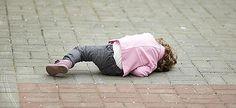 Πώς να συμμορφώνετε το παιδί σε δημόσιους χώρους