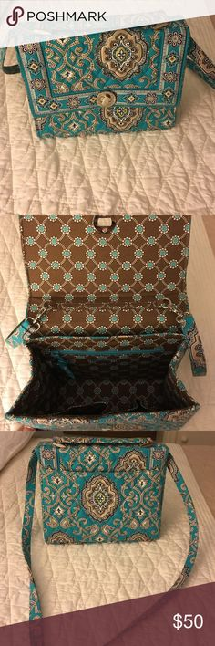 ⚡️FINAL PRICE⚡️Vera Bradley purse NWOT Bright teal Vera Bradley purse. Never used. Long satchel like strap. One back outside pocket. One zipper pocket and two additional pockets on inside. Vera Bradley Bags