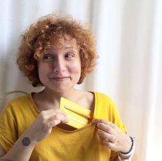 Giulia non sa proprio resistere al Giallo di #Primina!  #NAPKINFOREVER #MadeinItaly