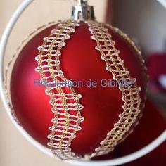 Les dentelles de Gibritte: Décors de boules de Noël Bobbin Lace Patterns, Christmas Decorations, Chain, Bracelets, Silver, Crafts, Jewelry, Craft Ideas, Bobbin Lacemaking